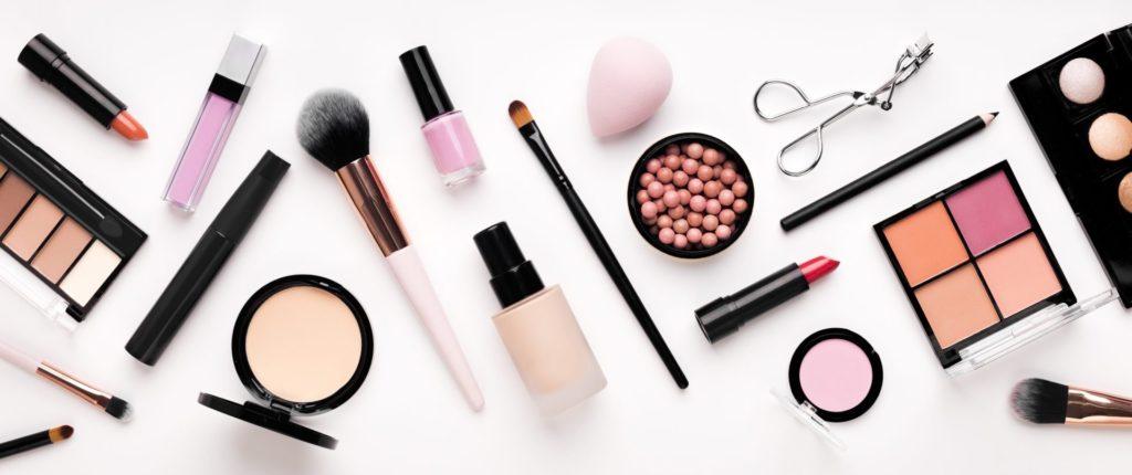 Freelance makeup artist tools